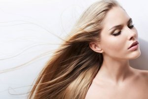 Alisamento de cabelo- loiro