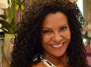 Zica Assis: 22 Anos a Frente do Beleza Natural